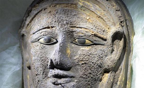 The silver facemask gilded with gold found on the face of the mummy. Credit: University of Tübingen, Ramadan B. Hussein
