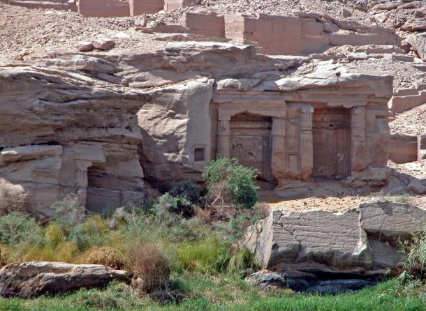 The site of Gebel el Silsila from a Nile river boat