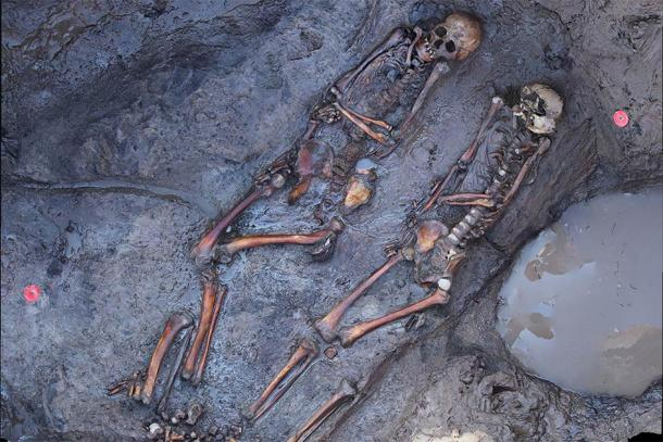 """Approx. 1700-year-old skeletons of South Siberian steppe nomads at the archaeological site """"Tunnug1"""". Credit: Tunnug 1 Research Project."""