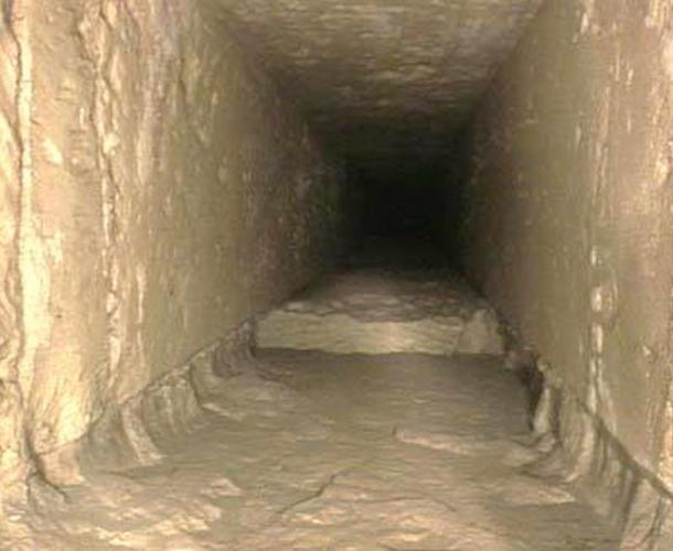 Fig 3. Inside one of the small shafts in the Great Pyramid. There were some regions in these shafts, like this one, that were less than expertly carved. Rudolf Gantenbrink referred to them as 'Monday morning blocks'.