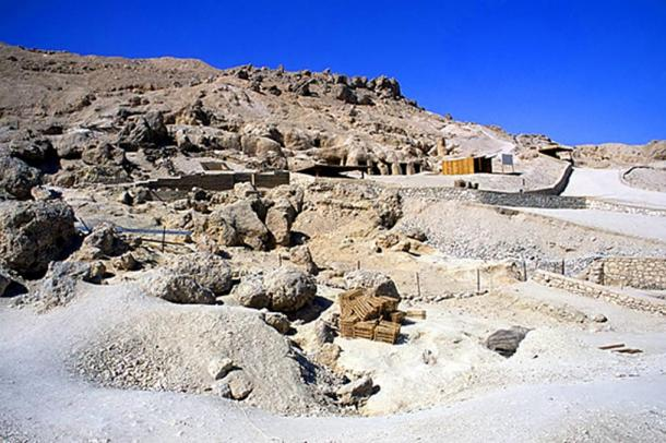 View of the south side of the hill of Dra Abu el-Naga, where the Djehuty Project is taking place.