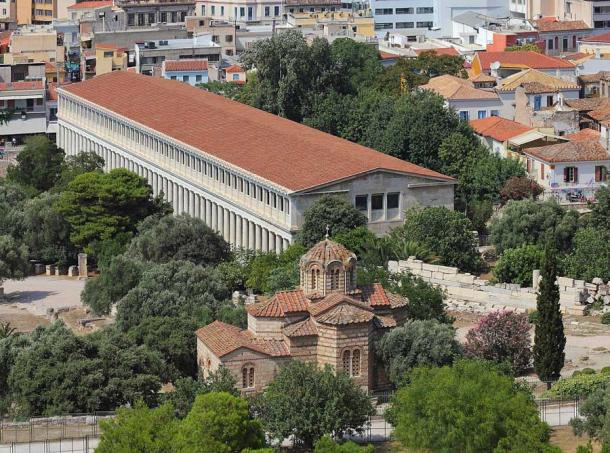 A view of the Stoa of Attalos from the Acropolis hill in Athens. (A.Savin (Wikimedia Commons WikiPhotoSpace) / CC BY-SA 3.0)