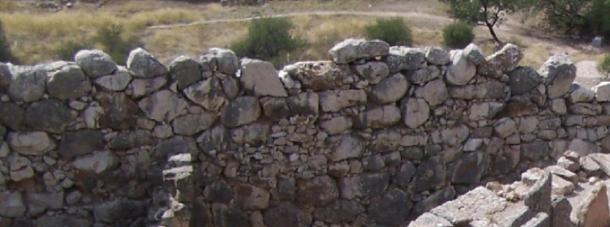 A typical stretch of Cyclopean walling at Mycenae. (Dorieo / CC BY-SA 3.0)