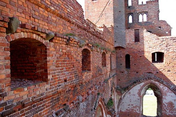 One of the surviving walls of Radzyń Chełmińsk Castle