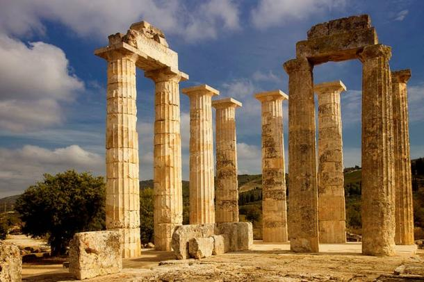 The temple of Zeus at Nemea.