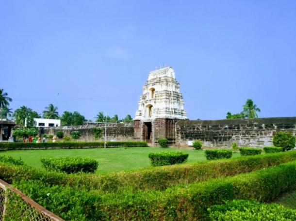 Draksharama Temple (Photo by Hindu Temples of India).