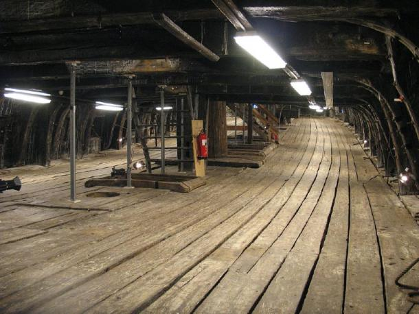 The lower gun deck of the Swedish warship Vasa, some of the wood has deteriorated. (Peter Isotalo / CC BY-SA 3.0)