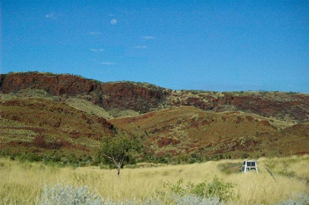 The site of exposed, ancient ocean crust in Western Australia. (Image: Iowa State University)