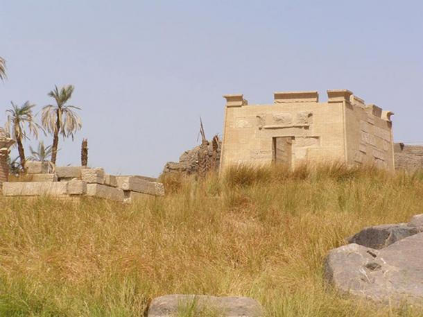 Ruins of the temple of Khnum, southern point of the island of Elephantine.