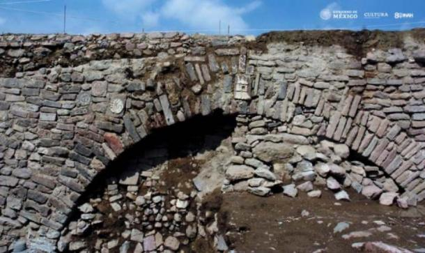The tunnel is part of a 2.5-mile-long network of dikes. (Edith Camacho, INAH)