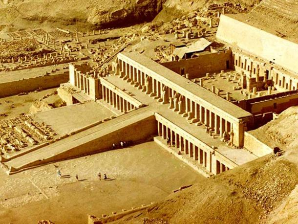 The tomb of Ipi is located on the famous hill of Deir el Bahari, where numerous tombs and temples of great importance are found; including the Temple of Hatshepsut (shown in this photograph).