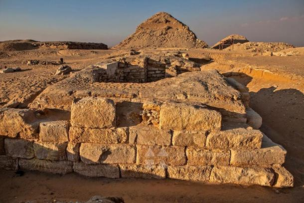 The tomb of Khentkaus III from south, in the background the pyramid of Neferirkara and unfinished pyramid of Reneferef.