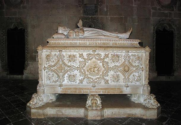 The tomb of Vasco da Gama, in the Jerónimos Monastery, Lisbon.