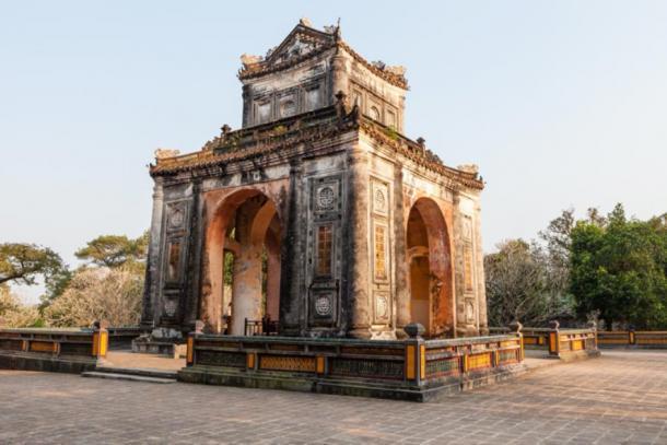 Tu Duc Tomb Pagoda, Vietnam (lukszczepanski / Adobe Stock)
