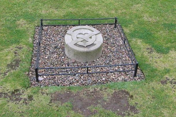 The tombstone over Robert The Bruce's buried heart