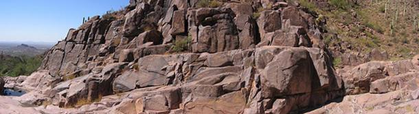 Superstition Mountain - Petroglyph Trail.