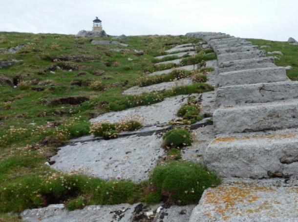 The tramway to the lighthouse. The lighthouse keepers used this until the 1960s.