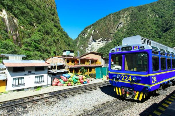 Machu Picchu trash crisis - Garbage with train in Aguas Calientes in Peru. (Pakhnyushchyy / Adobe stock)