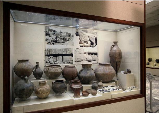 Alfarería y artefactos descubiertos desde Aslantepe, Turquía, actualmente en el Museo Arqueológico de Malatya