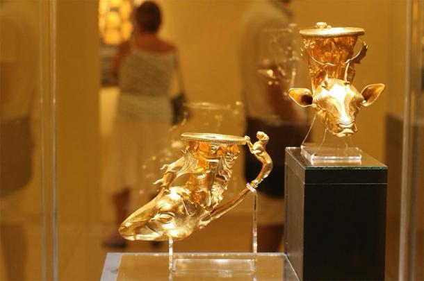 Two of the rhytons with deer heads from the Panagyurishte Treasure. (stanimir.stoyanov / CC BY-NC 2.0)