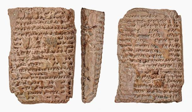 """A """"uranology"""" tablet from the Yale Babylonian Collection, written between the 3rd and 2nd centuries BCE in the city of Uruk in southern Iraq, provides on the right side a description of celestial constellations and on the other left side the topography of the city of Uruk."""