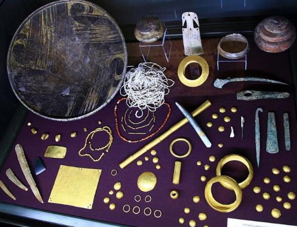 Varna necropolis, grave offerings, including the golden plate, on exposition in Varna Museum