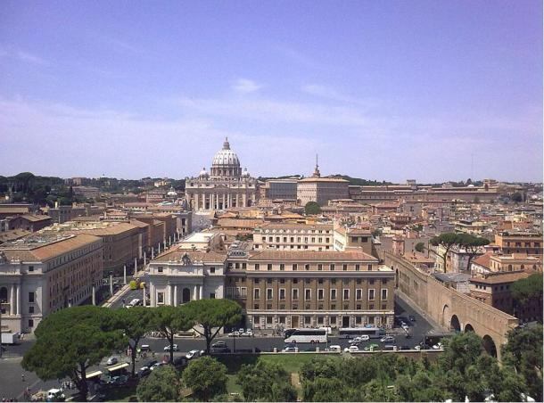 The view from Castel Sant'Angelo towards Vatican City where the wall can be seen.