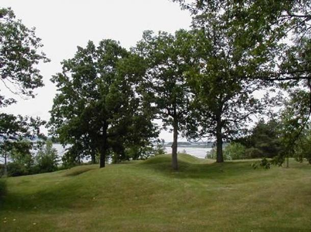 General view of Serpent Mound near Rice Lake.