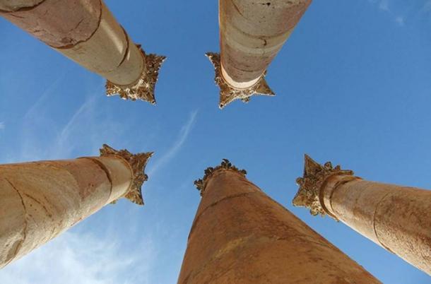 A view of columns at Jerash ruins. (CC BY 2.0)