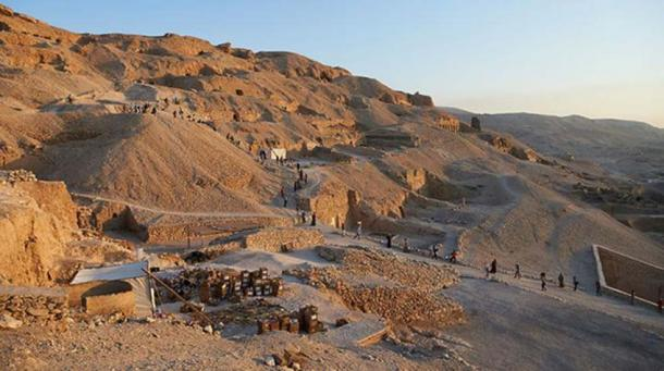 A view of the excavation area in the cemetery of Sheikh ´Abd el-Qurna.