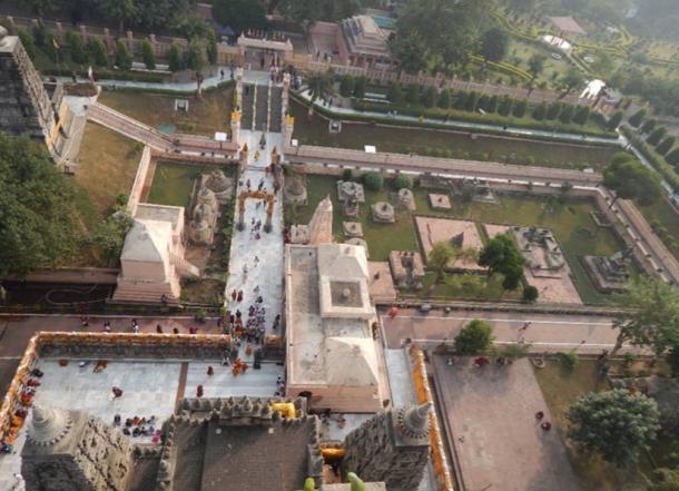 Vista general de las stupas votivas de la parte superior del templo Bodhgaya, Gaya, Bihar