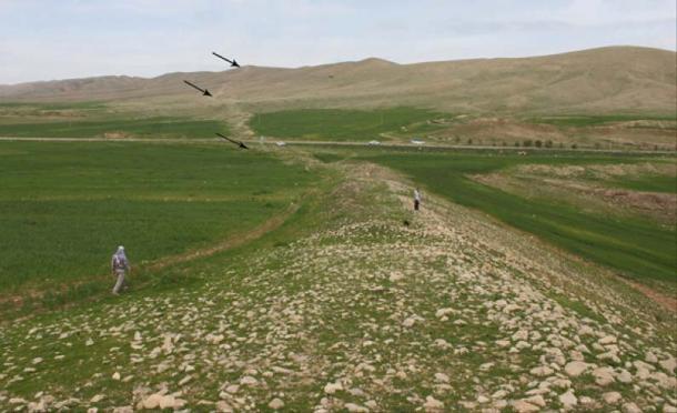 'Gawri Wall' in the western mountains of Sar Pol-e Zahab. (F.Fatahi/© Antiquity Publications Ltd, 2019)