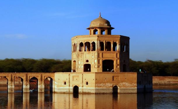 Example of a Mughal era water pavilion