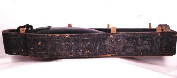 The wooden coffin was also covered in black goo. (© The Trustees of the British Museum / CC BY NC-SA 4.0)
