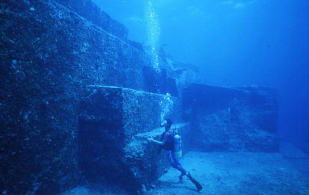 Real Underwater Ruins Mysterious 10,000 Year...