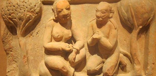 Scene from the Rāmāyaṇa, northwest India, Gupta period, 5th-6th century, terracotta, Honolulu Academy of Arts.