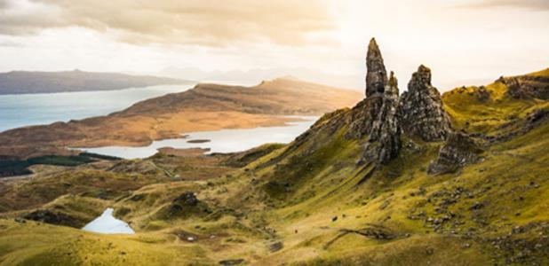 An island in Scotland (supakit / Adobe Stock)