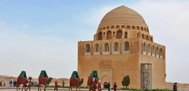 Painting of the 12th century mausoleum оf Sultan Sanjar, located in Merv.