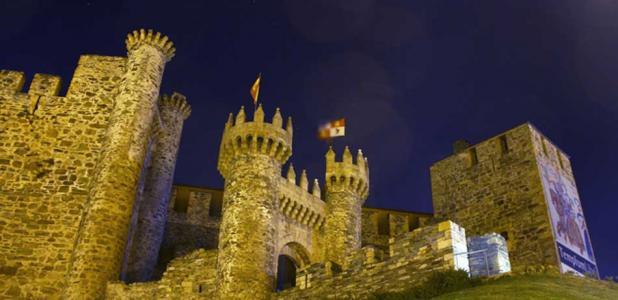 Ponferrada Castle, 'Castle of the Templars, Leon, Northern Spain. 12th century Castle of Ponferrada by night.