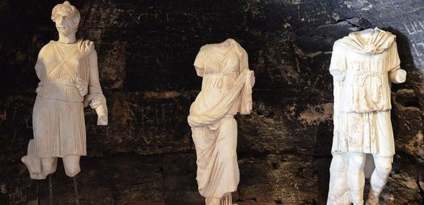 Representational image of broken Roman statues. The statues here were found before the current discovery and are housed in the Hierapolis Archaeological Museum, Turkey.