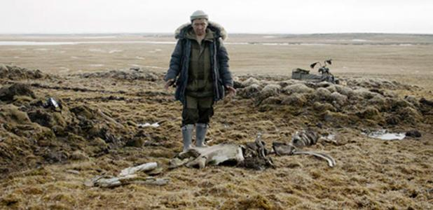 The scientists dug out the remains of the mammoth skeleton from the thawing permafrost and discovered a nearby weapons making site.  Source: Innokenty Pavlov