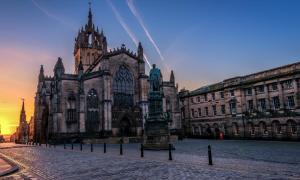 St Giles Cathedral, Edinburgh.          Source: karenm9071 / Adobe Stock.