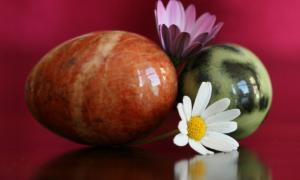 Stone eggs were used as an ancient remedy.