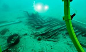 : Archaeologists working on the remains of the Iberian wreck Cala Cativa I.