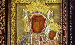 Black Madonna of Częstochowa with crown.