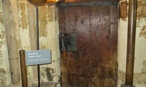 Britain's Oldest Door is in Westminster Abbey