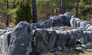 Tjelvar's Grave – Ship-shaped stone setting burial site, Gotland