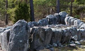 Tjelvar's Grave – Ship-shaped stone setting burial site, Gotland