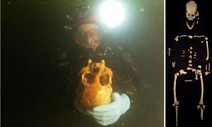 Right: Divers discovered the ancient woman's remains in the Chan Hol cenote cave, near Tulum, Mexico. Left: Pieces of skeleton put together.  Source: Eugenio Acevez & Jerónimo Avilés Olguín / Heidelberg University