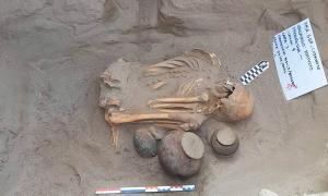 Rare Pre-Hispanic Chimú Burial Discovered In Peru